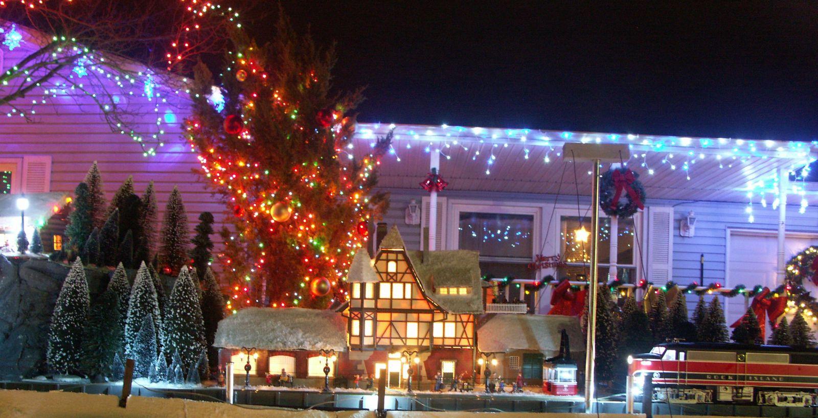 Christmas Village 4 073