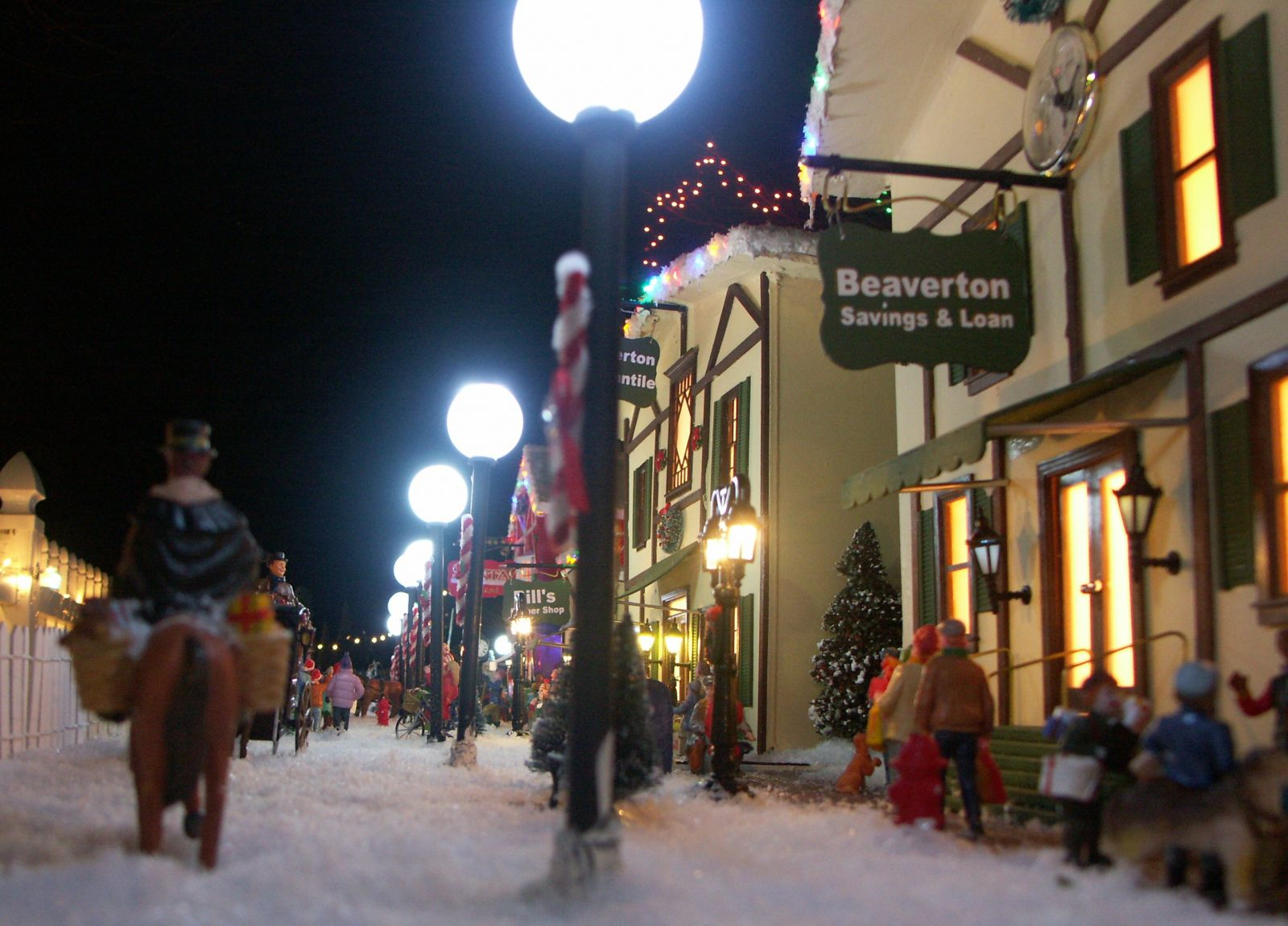 2013 Christmas Village 048