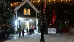 2013 Christmas Village 047