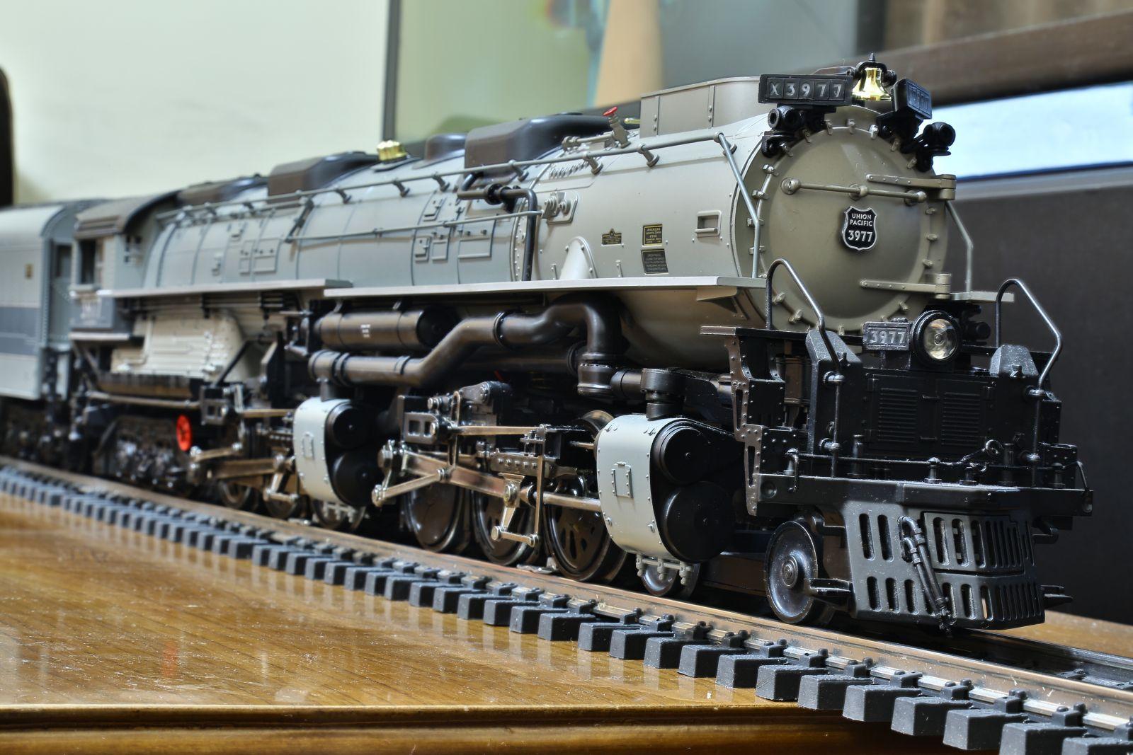 MTH Challenger 3977