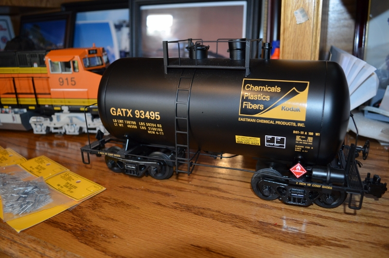 beer tank tankers cars scale train guide freight gauge