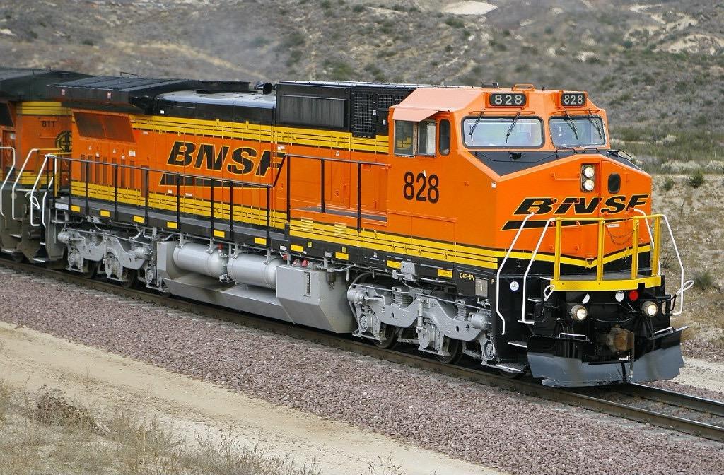 BNSF 828 - G Scale Train Forum com