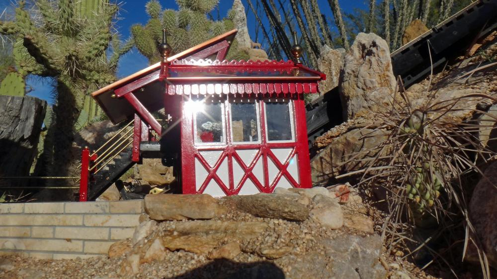 G Scale Funicular Ticket Booth9.JPG