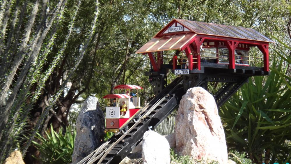 G Scale Funicular Car and Station1.JPG