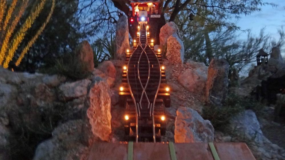 G Scale Funicular Lighting5.JPG