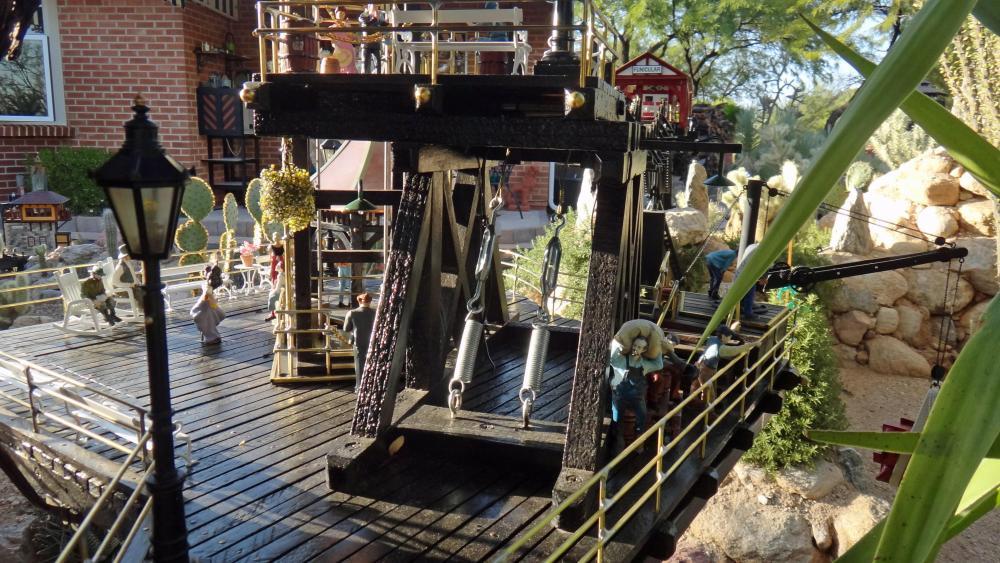 Garden Railway Treehouse Remodeled-54.JPG