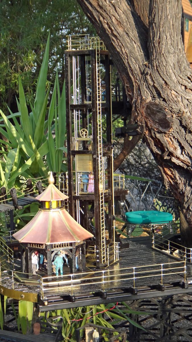 Garden Railway Treehouse Remodeled-9.JPG