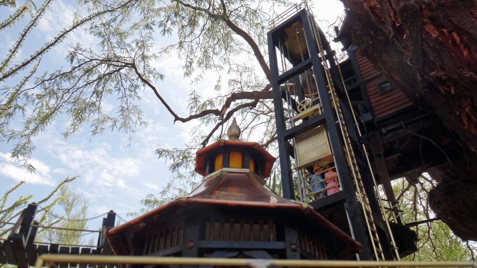 Garden Railway Treehouse Remodeled-19.JPG