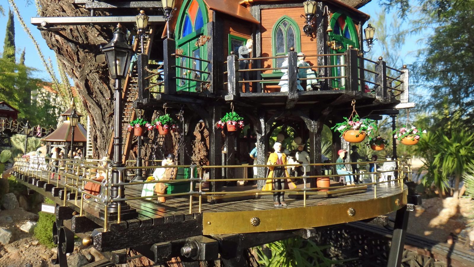 Garden Railway Treehouse Remodeled-59.JPG