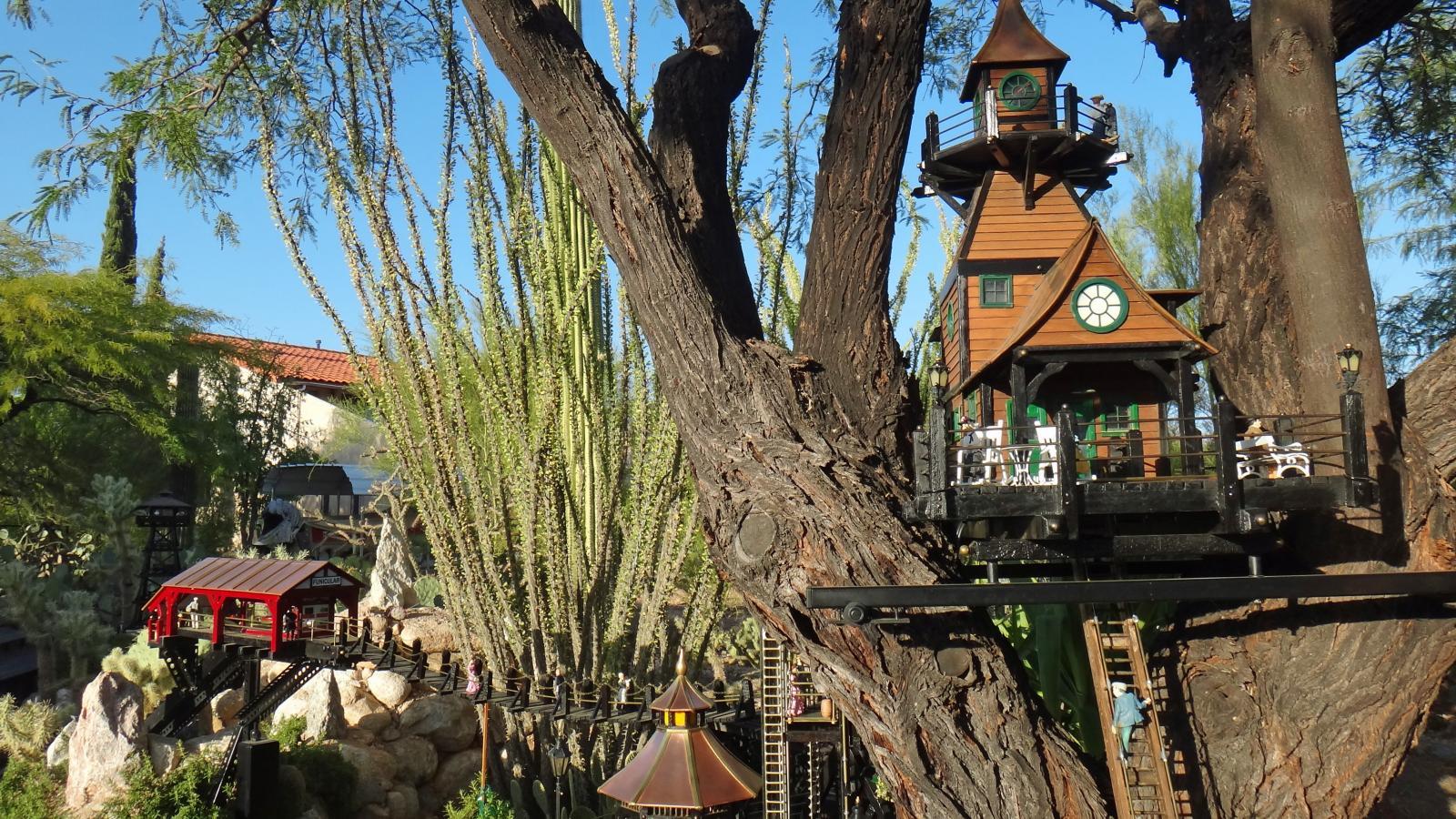 Garden Railway Treehouse Remodeled-49.JPG