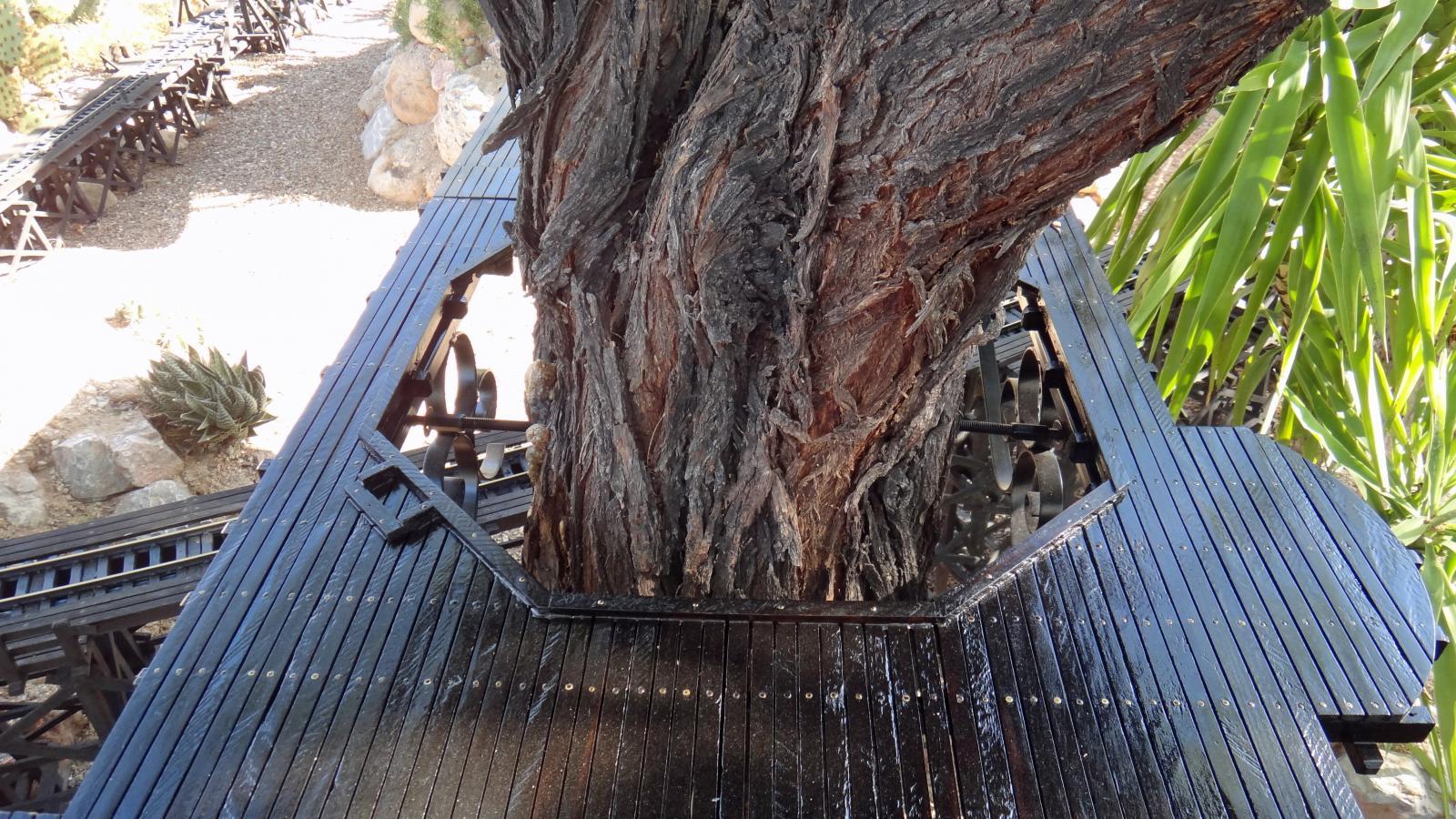 Garden Railway Treehouse Remodeled-4.JPG