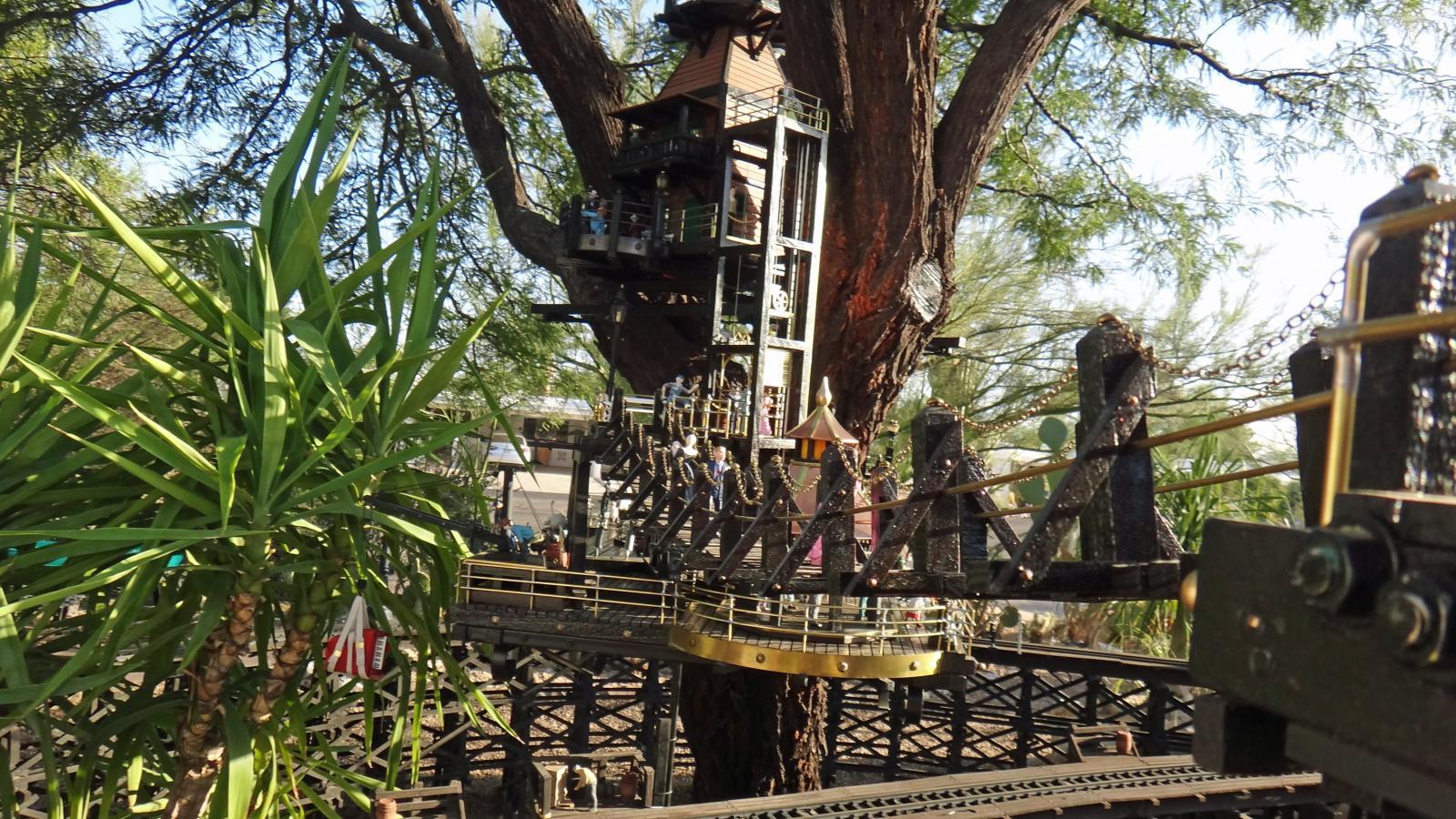 Garden Railway Treehouse Remodeled-45.JPG