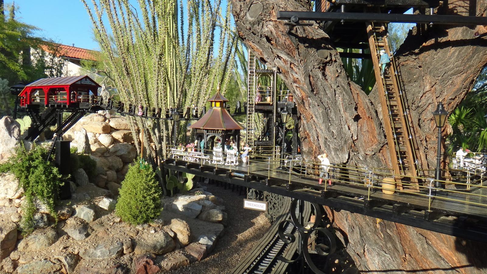 Garden Railway Treehouse Remodeled-48.JPG