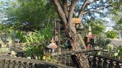 Garden Railway Treehouse Remodeled-22.JPG