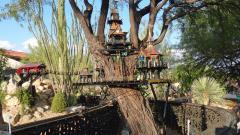 Garden Railway Treehouse Remodeled-25.JPG