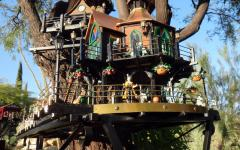 Garden Railway Treehouse Remodeled-61.JPG